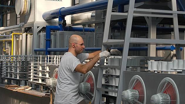 Kromě spuštění nové pece připravuje Karlovarský porcelán i další modernizaci továrny. (Ilustrační foto.)