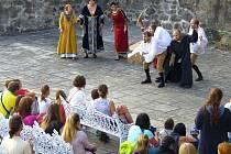 Jedna z kulturních akcí na bečovském zámku.