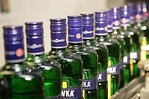 Karlovarská likérka produkující proslulou Becherovku je na prodej.