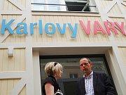 V jednom z už opravených tržních krámků sídlí karlovarské Infocentrum.