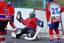 Hokejbalový zápas CSKA s Krupkou.
