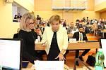 Z jednání ustavujícího zastupitelstva Karlovarského kraje.