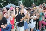 Největší ovace v Ostrově sklidila teenagery oblíbená kapela Slza