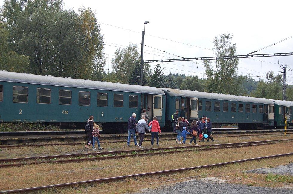 Karlovarsko zažilo v sobotu Den regionálních železnic.