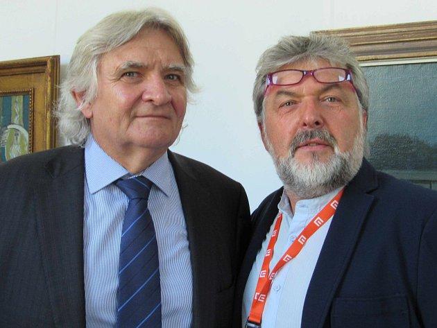 PŘEDSTAVITELÉ ZLÍNSKÝCH ATELIÉRŮ. Prezident Zlín Film Festivalu Čestmír Vančura a Zdenek Skaunic.
