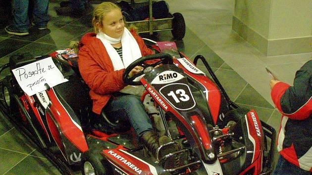 V Karlových Varech se v multifunkční hale  konala výstava JEDETO2009