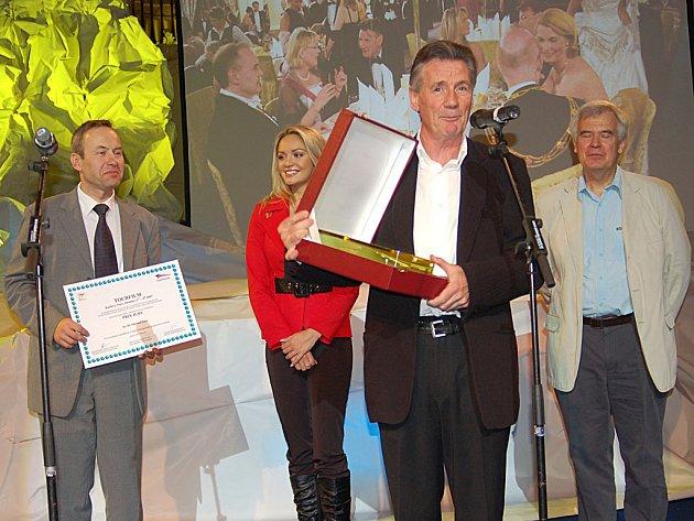 Loni Palin, letos Horn. Bývalého člena Létajícího cirkusu Monty Pythona Michaela Palina (na snímku v popředí) vystřídá na pozici hlavní hvězdy Tourfilmu jihoafrický dobrodruh Mike Horn.