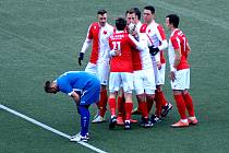 Slavia Karlovy Vary (v bíločerveném) hostila Klatovy.
