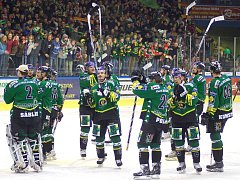 Po úspěchu je o ně zájem. HC Energie skončila v rámci letošní xtraligy na druhém místě. Jejího historického úspechu si všimli nejen sponzoři, ale i hokejoví manažeři z Ruska.