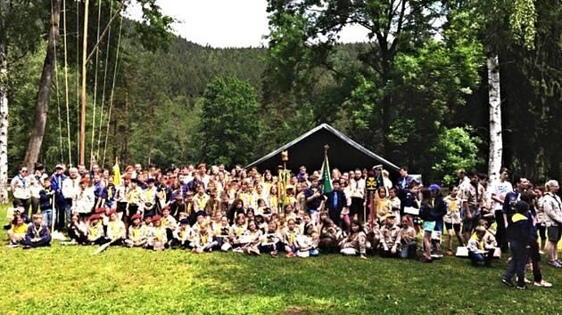 Desítky skautů se zúčastnily velké hry u Svatošských skal.