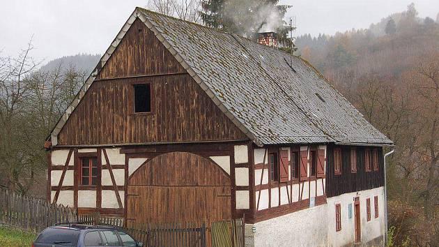 V Bečově je stále mnoho domácností, které topí uhlím či dřívím. Na to by mohlo město doplatit.