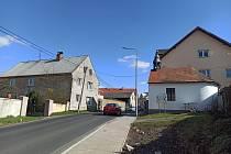 Jenišov je obcí, která se v poslední době hodně rozrůstá. Má ale své typické problémy.