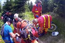 Dvanáctiletý chlapec se v sobotu odpoledne těžce zranil při sjezdu na horském kole v Trialparku na Klínovci