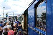 Prezidentský vlak obdivovaly v Karlových Varech stovky lidí