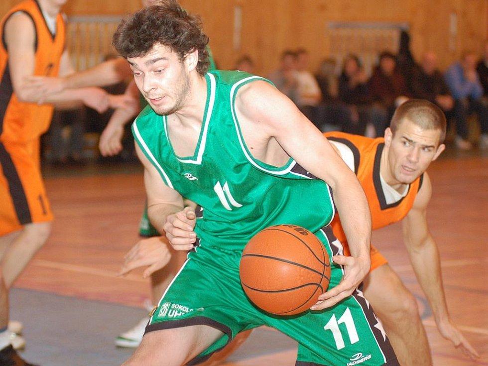 Poslední zápasy v tomto roce odehrály oba druholigové celky Karlovarska navzájem mezi sebou — v pátek Karlovarští v Sokolově a v neděli dopoledne Sokolovští ve Varech.
