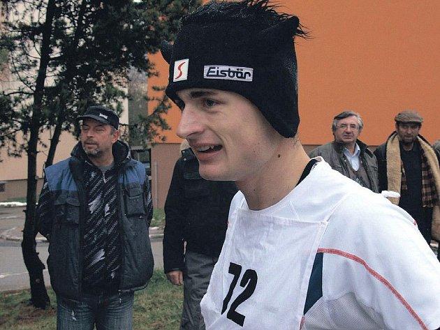 Třikrát první. Suverénem letošní série běžeckých závodů ´Chebská zima´ je sokolovský atlet Jan Sokol, který ve třech doposud odběhnutých závodech nenašel přemožitele.