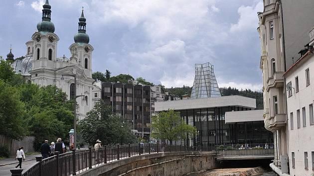 Vřídlo a Vřídelní kolonáda Karlovy Vary