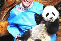 Dagmar Seraja s pandou. Foto: Archiv rodiny