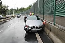 Dopravní nehody na mokré vozovce.