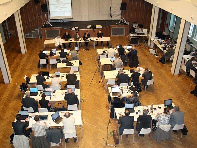 Zasedání karlovarského zastupitelstva.