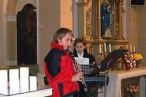 Hudba s vánočními motivy rozezněla ve čtvrtek dopoledne kostel Nanebevstoupení Páně ve Staré Roli.