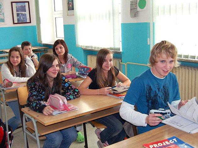 Základní školu v Jáchymově možná čeká sloučení s místní mateřskou školou.