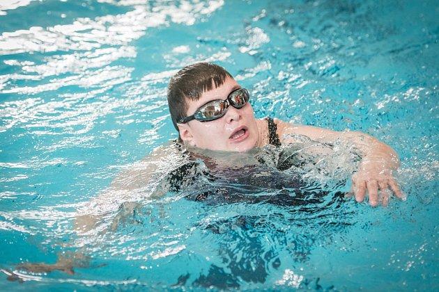 """Letošního ročníku plaveckých závodů """"Pohárek"""" se zúčastnilo více než 130závodníků."""