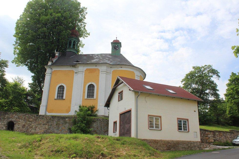 Kostelík v Horním Dražově.
