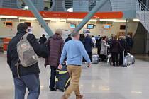 Letiště v Olšových Vratech patří sice k těm menším, i tak ale možnou nákazu nemůže nikdo podceňovat.