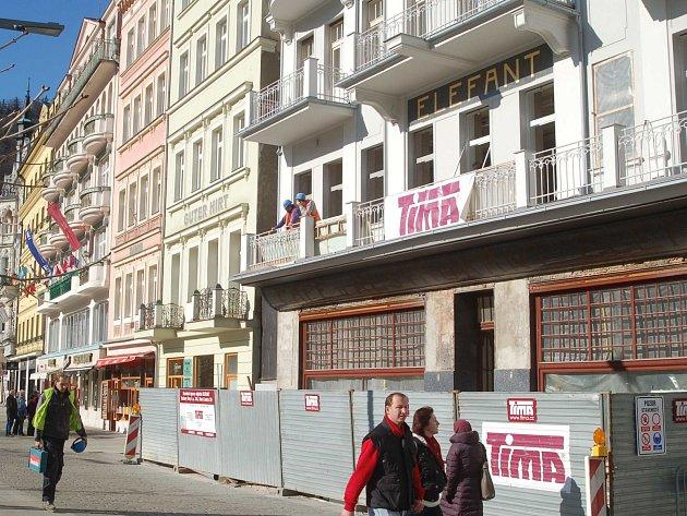 Proslulá karlovarská kavárna Elefant je nyní v rekonstrukci.