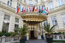 Grandhotel Puppje pětihvězdičkový hotel vlázeňské zóněKarlových Varůs228 pokoji.