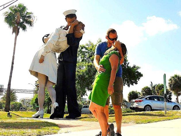 CESTA KOLEM světa je teď zavedla na slunnou Floridu. Během cesty po dalších kontinentech chtějí ale pomáhat