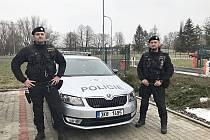 Policisté zachránci pprap.  Petr Krupa a pprap. Vladislav Klimeš (zprava).