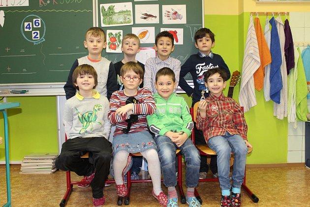 Žáci první třídy ze Základní školy vMozartově ulici vKarlových Varech.