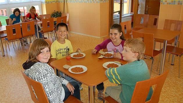 Nová školní jídelna v Hroznětíně