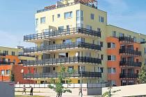 ZATÍM NE. Daň z nemovitosti se v Karlových Varech zatím zvyšovat nebude.