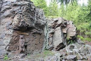 Skály na Strašidlech jsou skalnaté útvary nedaleko Horní Blatné u Karlových Varů.