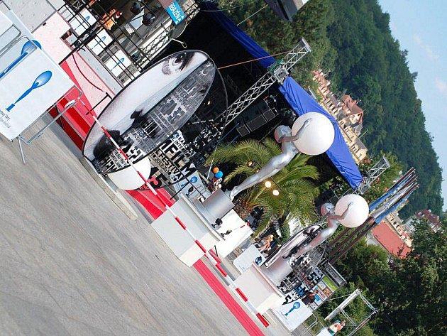 Poslední den 45. Mezinárodního filmového festivalu v Karlových Varech.