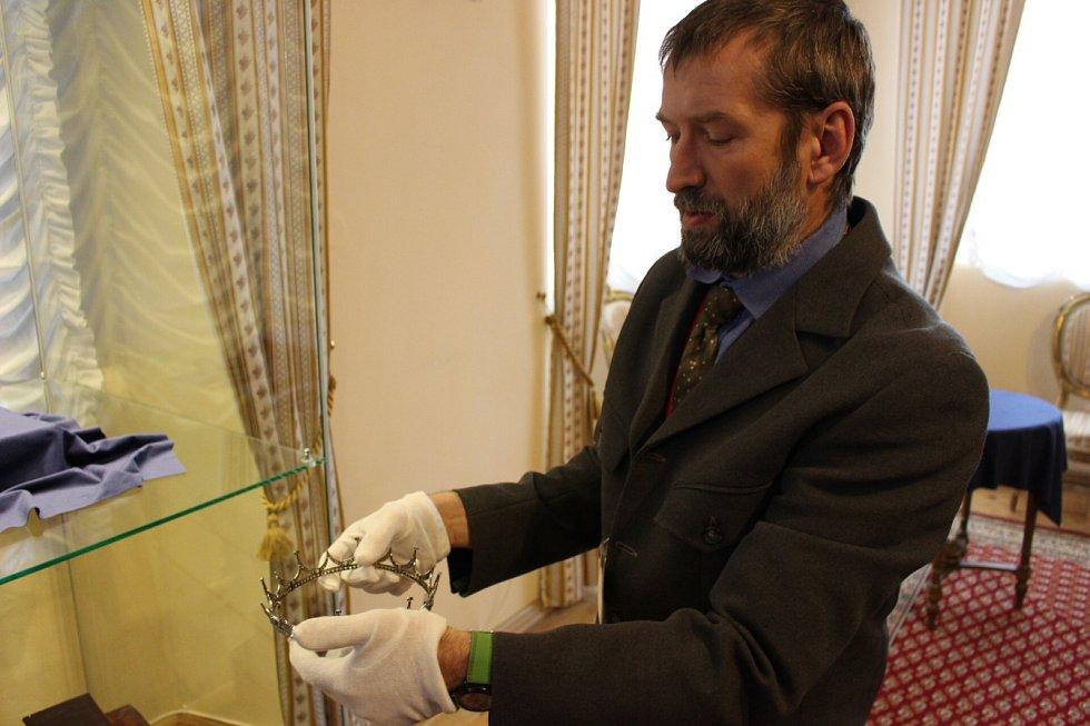 Unikátní korunka doplnila expozici v bečovském zámku.