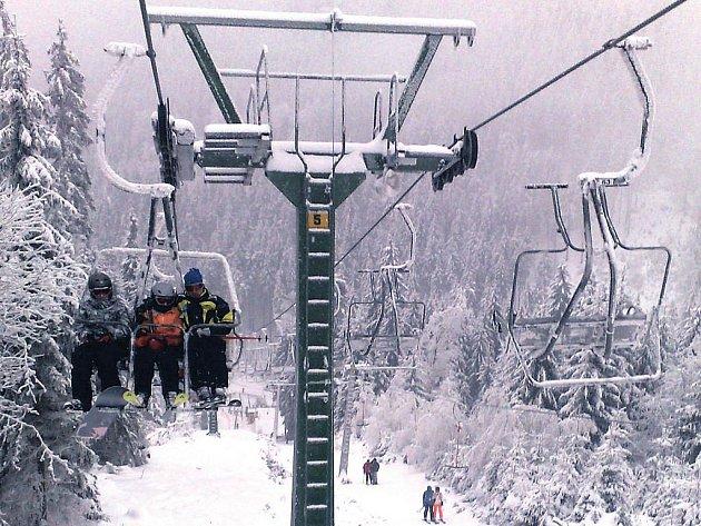 Klínovec se možná již brzy dočká nové lanové dráhy a prodloužení sjezdovky ve SKI areálu Klínovec.