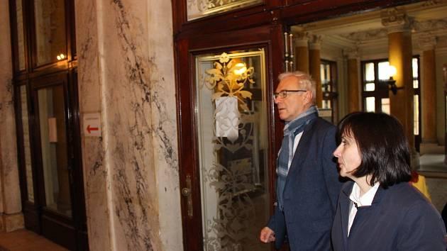 Ministr kultury Ilja Šmíd při návštěvě Císařských lázní.
