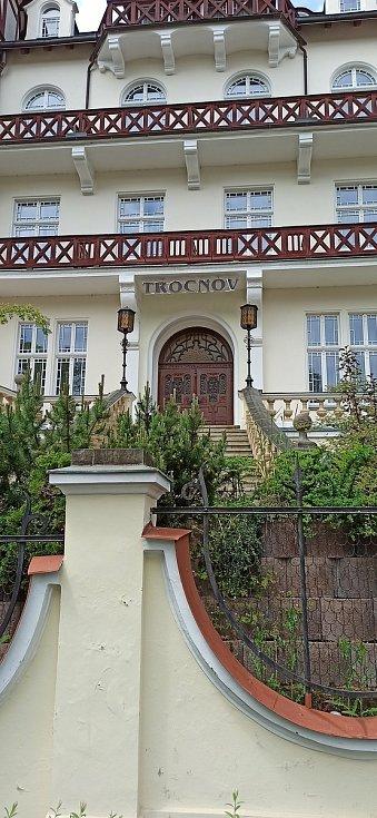 Hotel Trocnov v karlovarské ulici Krále Jiřího.