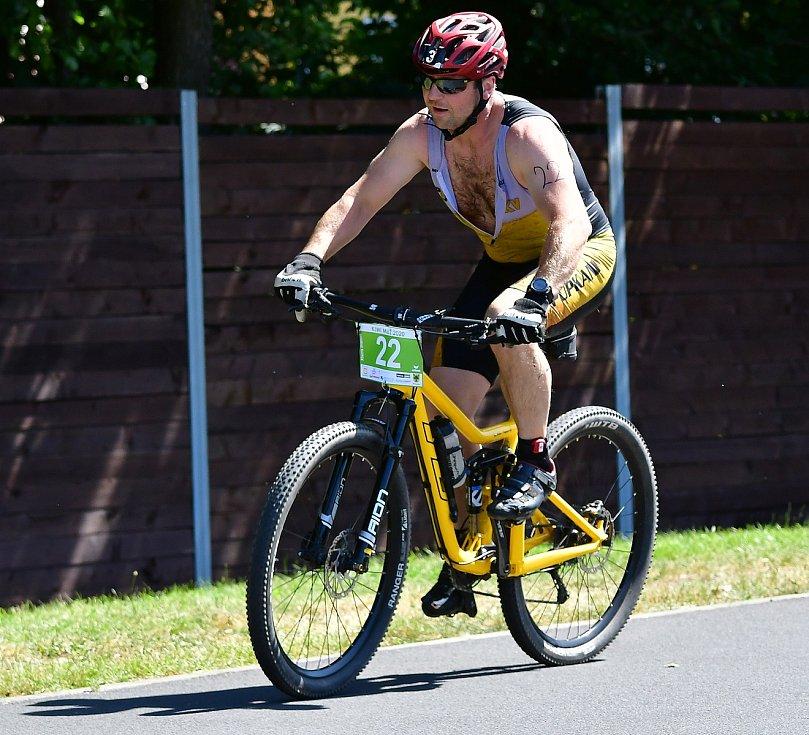 Rekordních 135 triatlonistů se postavilo na start 29. ročníku KIWI Xterra Triatlonu.