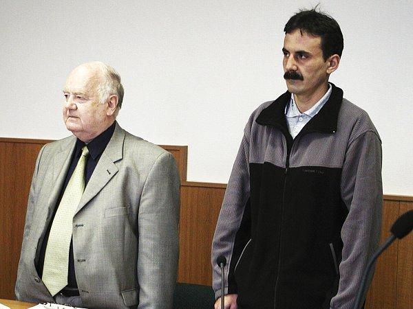 Po čtrnácti měsících od nehody stanul řidič František Veleta před soudem. Dostal podmíněný trest.