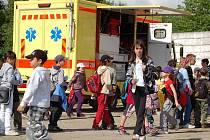 Spousta praktických ukázek z práce záchranné zdravotnické služby, hasičů i městské a státní policie a bohatý doprovodný program. To vše nabízel Den otevřených dveří v sídle Územní záchranné a zdravotnické služby Karlovarského kraje.