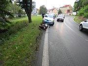 Policejní snímky z místa nehod, kde bourali řidiči motorek.