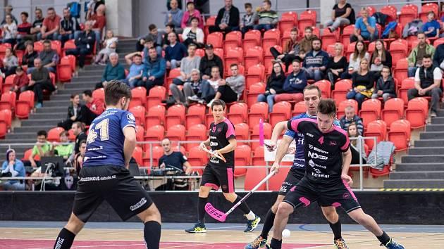 Karlovarští hurricani udolali havířovský Slovan osmi góly.