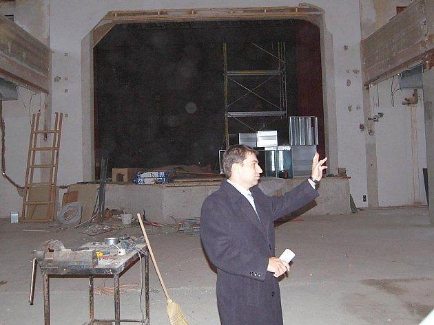Plány s Lidovým domem ve Staré Roli představil náměstek primátora Tomáš Hybner.