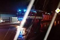 Havárie vodovodního řadu v ulici Závodu míru v Sokolově.