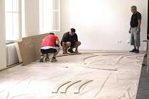 SOUBĚŽNĚ s přestavbou prostor již byly zahájeny i práce na nové expozici.